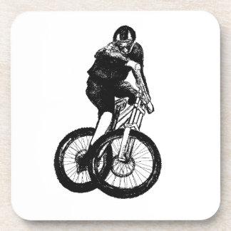 Jungen-Mountainbike T-Shirt stellt MTB dar Untersetzer