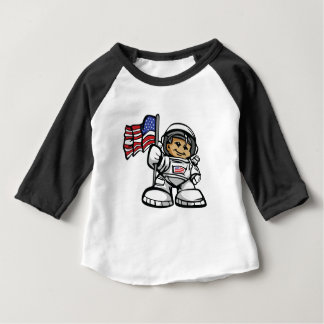 Junger Astronaut im Raum Baby T-shirt