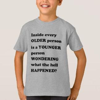 Junges altes Vintages GIF Gedanken der T-Shirt