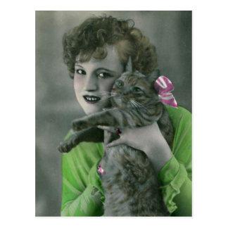 Junges Mädchen-und Katzen-Vintages Glamour-Foto Postkarte