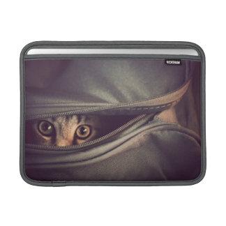 Junges Tabby-Kätzchen MacBook Sleeve