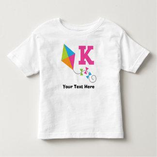 K-Alphabet-Buchstabe personalisiert Kleinkinder T-shirt