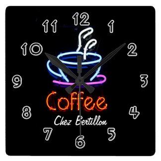 Kaffee-Café-Neonzeichen personalisiert Wanduhr
