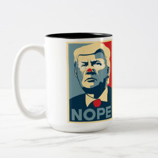 """Kaffee-Tasse Donald Trump """"NOPE"""" Zweifarbige Tasse"""
