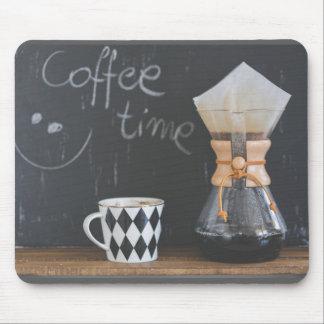 Kaffee-Zeit mit Schalen-und Kaffee-Topf Mousepad