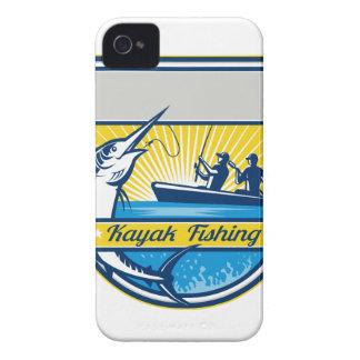 Kajak, der blauer Speerfisch-Abzeichen fischt iPhone 4 Case-Mate Hülle