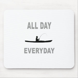 Kajak, der den ganzen Tag tägliches fischt Mousepad