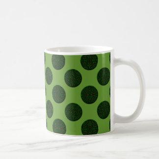 kakifarbige grüne Kreise Kaffeetasse
