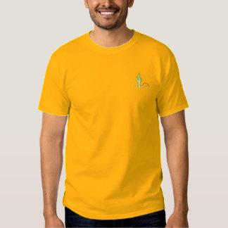 Kaktus am Sonnenuntergang Besticktes T-Shirt