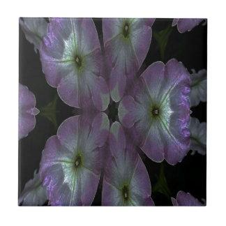 Kaleidoskop-Digital-Farbe petunia.jpg Fliese
