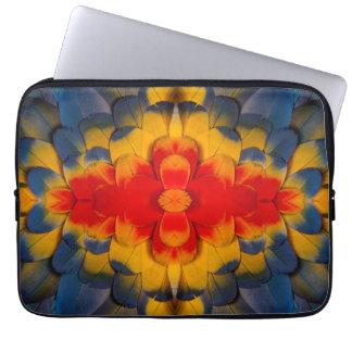 KaleidoskopScharlachrot Macaw-Feder Laptopschutzhülle