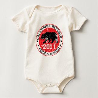 Kalifornien-Republikgeborenes angehoben 2011 Baby Strampler