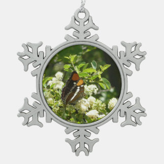 Kalifornien-Schwester-Schmetterling in Yosemite Schneeflocken Zinn-Ornament
