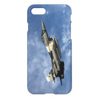 Kämpfender Falke F-16 im Flug iPhone 8/7 Hülle