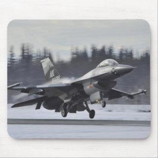 Kämpfender Falke F-16 Mauspad