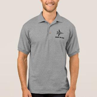 Kämpferpilot, geboren zu fliegen! polo shirt