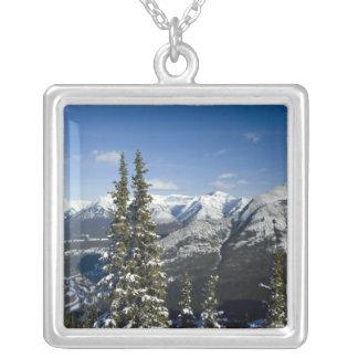 Kanada, Alberta, Banff. Ansichten des Bogen-Tales Versilberte Kette