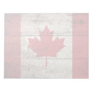 Kanada-Flagge auf altem hölzernem Korn Notizblock