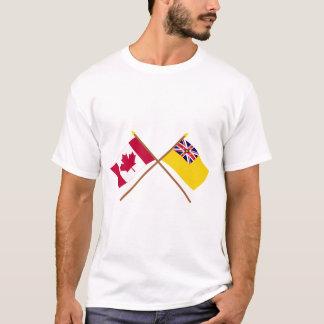 Kanada und Niue gekreuzte Flaggen T-Shirt