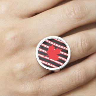 Kanadische Streifenflagge Ringe