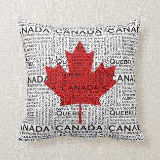Kanadisches Blatt mit Stadt-u. Staats-Hintergrund Kissen