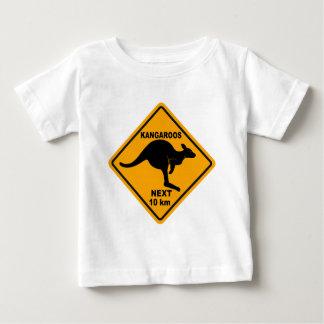 Kängurus folgende 10 Kilometer Baby T-shirt