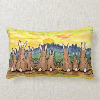 Kaninchen-Familien-Sonnenaufgang-positives Lendenkissen