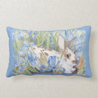 Kaninchen in der blauen niederländischen Iris Zierkissen
