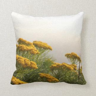 Kap-nebelhaftes gelbes Blumen-Kissen Kissen