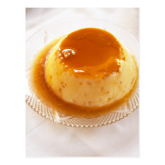 Karamellpuddingart des Puddings mit Karamell Postkarte