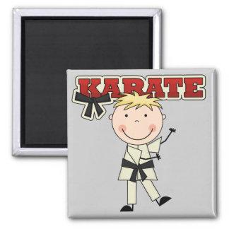 KARATE - blonde Jungen-T-Shirts und Geschenke Quadratischer Magnet