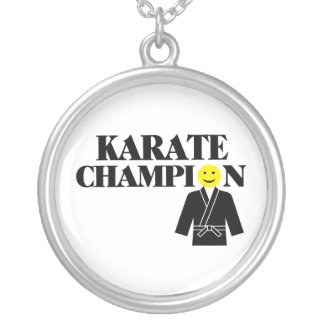 Karate-Meister-Smiley Versilberte Kette