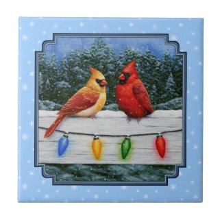 Kardinals-und Weihnachtslicht-Schneeflocken Fliese