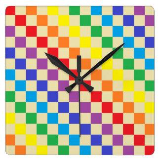 Karierte Regenbogen-Beige Quadratische Wanduhr