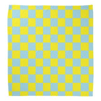 Kariertes Pastellblaues und gelb Kopftuch
