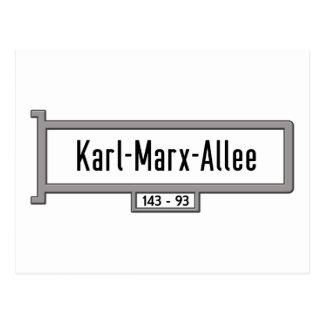 Karl-Marx-Allee, Berlin-Straßenschild Postkarte