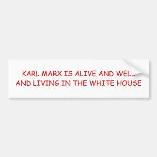 KARL MARX IST LEBENDIG UND WOHL UND LEBEN IM W… AUTOAUFKLEBER
