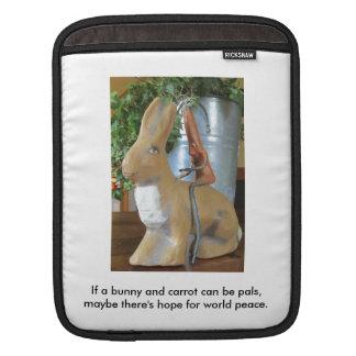 Karotte u. Kaninchen = Frieden für die Welt? iPad Sleeve