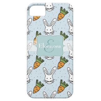 Karotten und Häschen-Muster auf einem blauen iPhone 5 Schutzhüllen