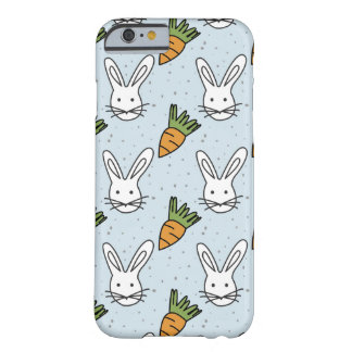 Karotten und Häschen-Muster auf einem blauen Barely There iPhone 6 Hülle