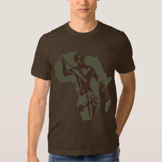 Karte des afrikanischen Kriegers und Tshirt
