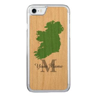 Karte von Irland mit Monogramm Carved iPhone 7 Hülle