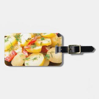 Kartoffeln mit Zwiebel, grünem Pfeffer und Fenchel Kofferanhänger