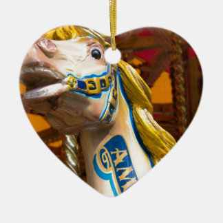 Karussellpferd auf fröhlichem goround keramik Herz-Ornament
