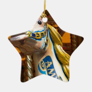 Karussellpferd auf fröhlichem goround keramik Stern-Ornament