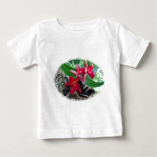 Kastanienbraune Orchideen mit der ovalen Baby T-shirt