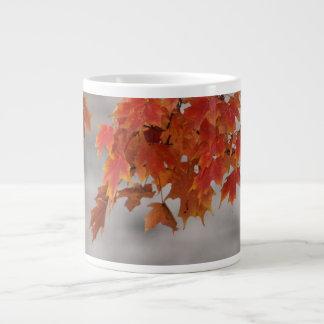 Kastanienbrauner und orange Entwurf 1 Jumbo-Tasse