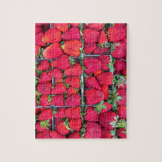 Kästen gefüllt mit roten Erdbeeren Puzzle