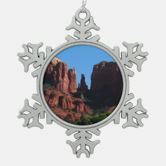Kathedralen-Felsen in Sedona Arizona Schneeflocken Zinn-Ornament