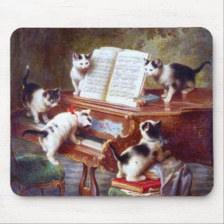Kätzchen auf den Schlüsseln Mauspads